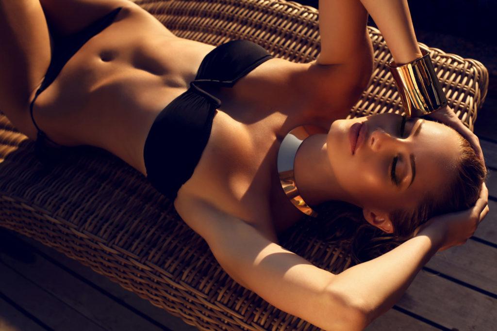 bademode bikini schwarz